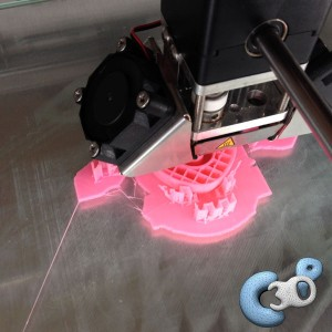 test d'impression 3D avec filament e-Sun rose